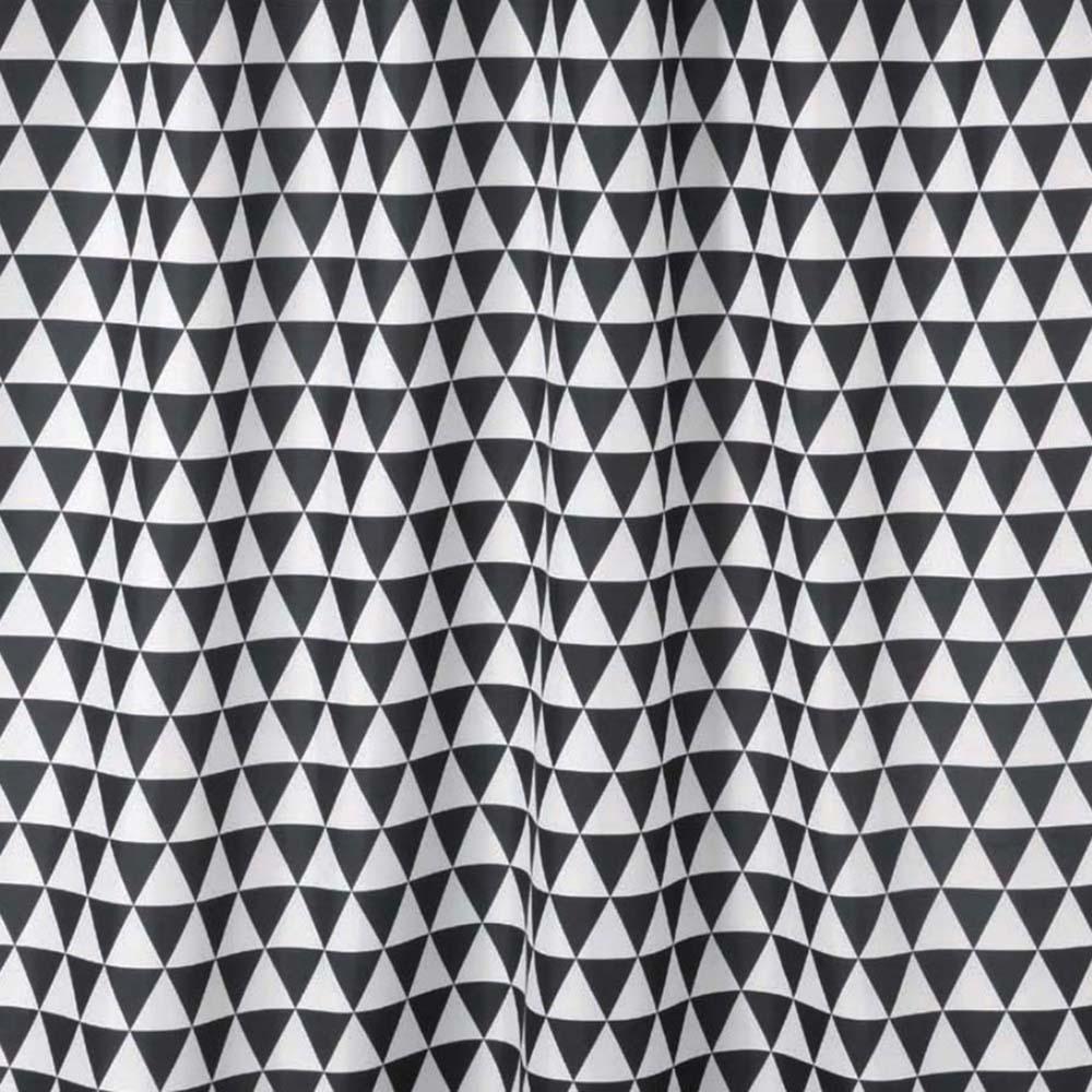 ТЕКСТИЛ завеса за баня черно-бели триъгълници
